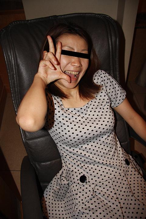 似人妻(24)に旅館内トイレ羞恥指マン 【無】【個人投稿】木村文